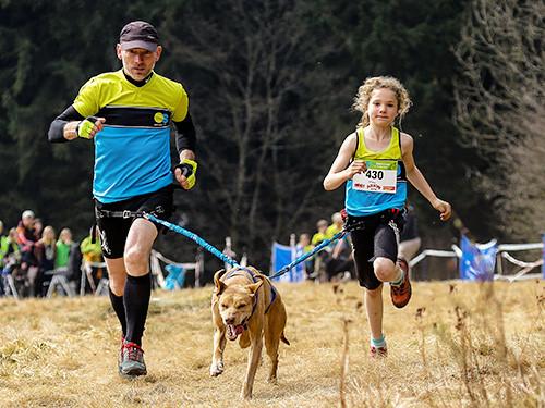 Kind-und-Hund_Canicross